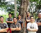 Pasukan rondaan dan pemantauan hidupan liar WWF-Malaysia di Sabah, bersama Sharon Koh (barisan kedua, tengah)